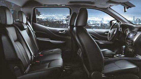 nissan-np300-navara-2016-interior